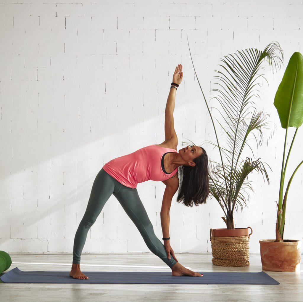 Volg online yogalessen van Pamela Ramnares
