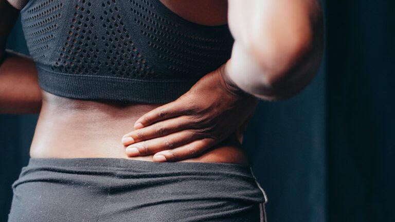 Voorkom een blessure bij online yoga